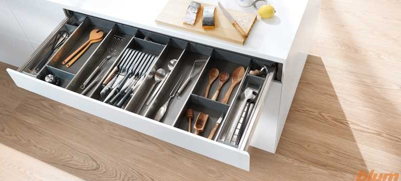 cutlery and dividing inserts orga line drawer insert solutions by blum kitchen hardware. Black Bedroom Furniture Sets. Home Design Ideas